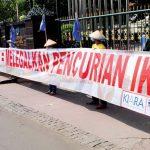 Kabar Bahari: Presiden Jokowi (harus) atasi Pencuri Ikan