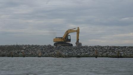 REVISI UU PESISIR, Laut Jangan Dikapling