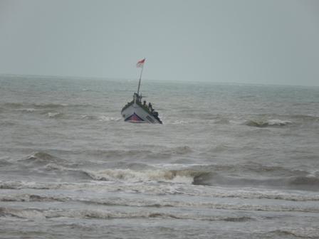 Nelayan merugi miliaran rupiah karena cuaca ekstrem