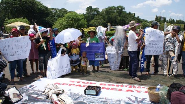 aksi hari nelayan_Stop Bohongi Nelayan